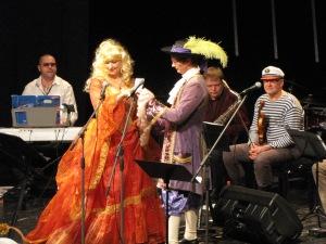 Mileedi krahv Rochefort lauluhoos ( Anne-Ly Allos ja Risto Eesaru