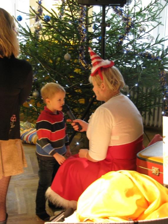 Jõulueit kuulas huviga kõiki luuletusi, mis lapsed õppinud