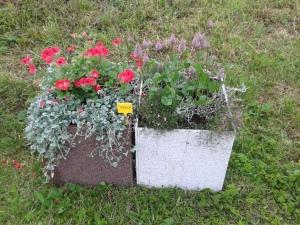 Klassikaliselt kaunis duubel-lillepott. Karla küla.